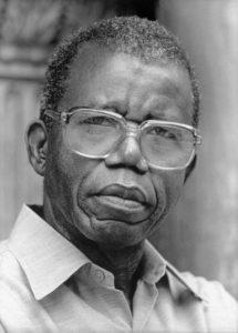 Chinua Achebe - things fall apart summary pdf